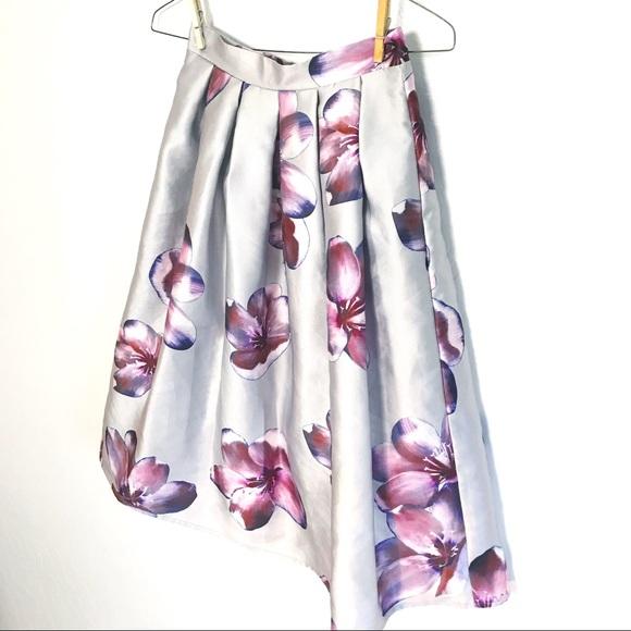 a'gaci Dresses & Skirts - A'Gaci Silver Floral A Line Skirt